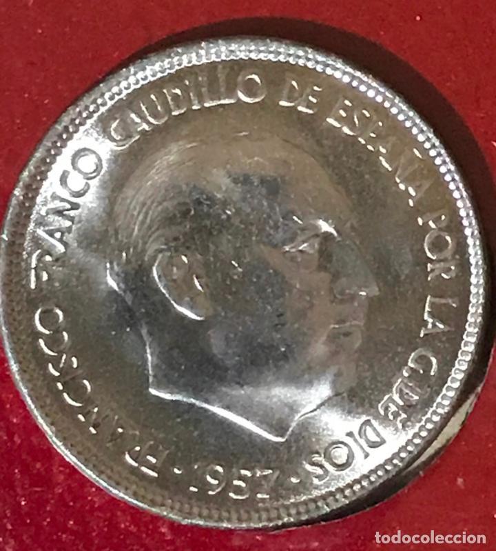 MONEDA 25 PESETAS FRANCO 1957 ESTRELLA 68 SC (Numismática - España Modernas y Contemporáneas - Estado Español)