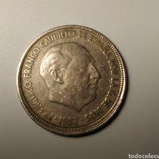 Monedas Franco: CINCO PESETAS FRANCO DESCENTRADA 57 E 63. Lote 174315417