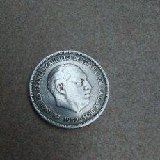 Monedas Franco: MONEDA 25 PTS 1957 ESTRELLA 64. Lote 197553191