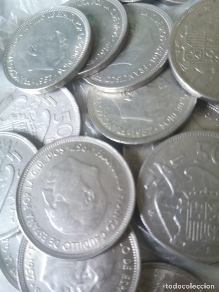 Monedas Franco: Lote 50 monedas 50 pesetas 1957 - Foto 2 - 212238705