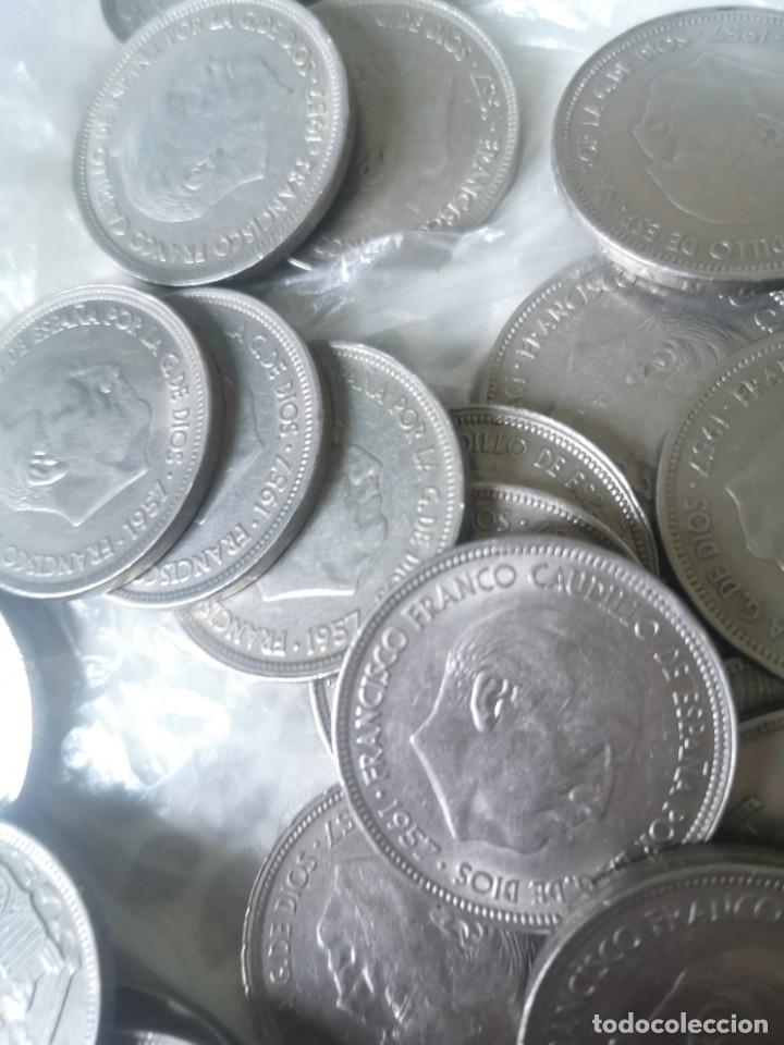 Monedas Franco: Lote 50 monedas 50 pesetas 1957 - Foto 4 - 212238705