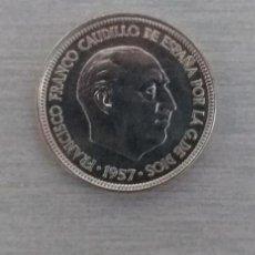 Monedas Franco: 5 PESETAS 1957 ESTRELLAS 19-75. MUY LINDA.. Lote 218163225