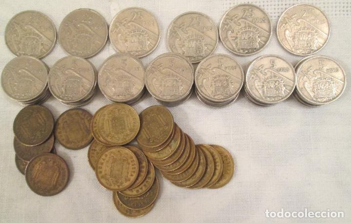 Monedas Franco: Lote de 76 monedas, pesetas, de la época de Franco de 1953, 1957, 1963 y 1966. - Foto 2 - 220115003