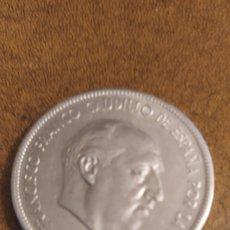 Monedas Franco: 5 PESETAS 2949. Lote 221858917