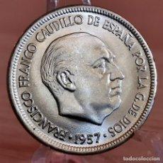 Monete Franco: AA971. S/C. 5 PESETAS 1957 *70. Lote 232824640