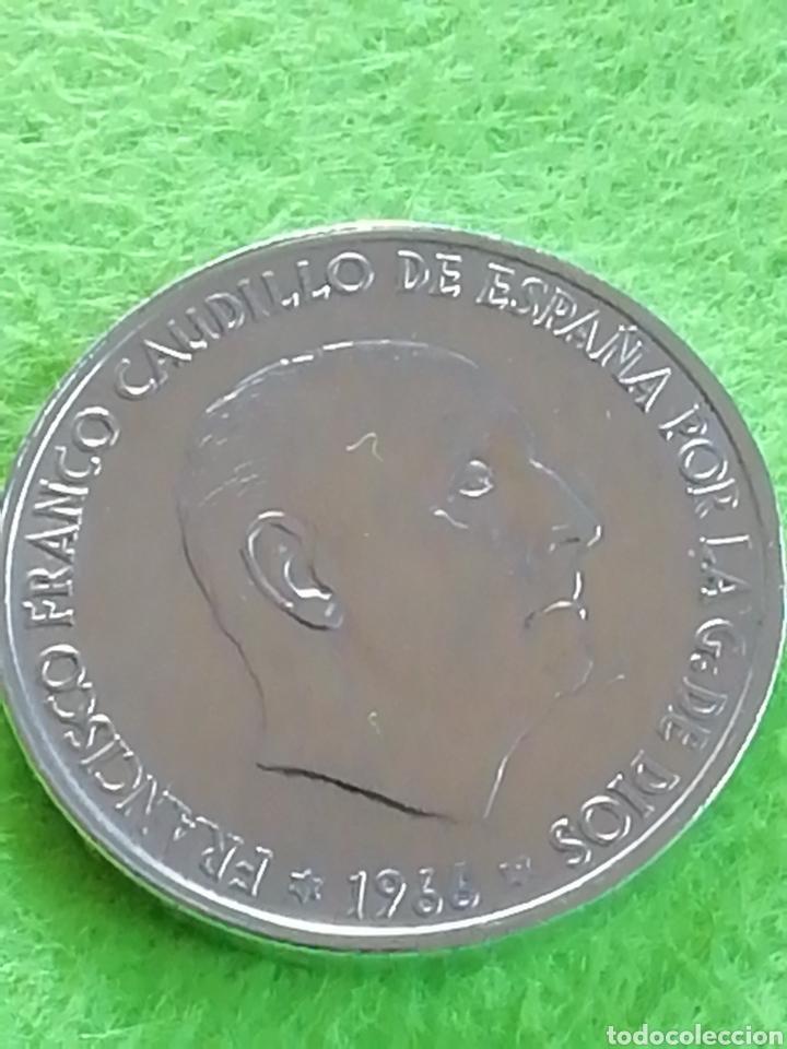 100 PESETAS DE PLATA DE 1966 ESTRELLA 66. ESTRELLA BORRADA.. (Numismática - España Modernas y Contemporáneas - Estado Español)