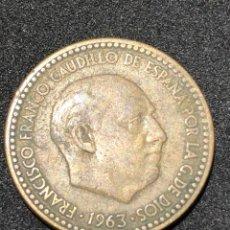 Monedas Franco: MONEDA DE 1 PESETA DE 1963 CON ESTRELLA DEL 63.. Lote 241556275