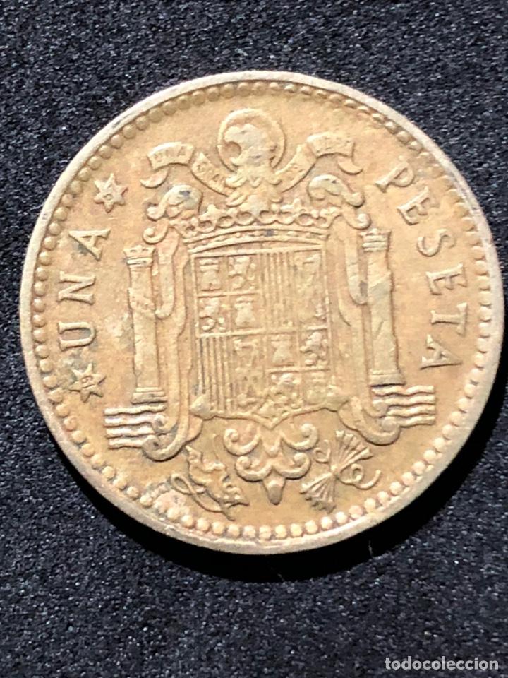 Monedas Franco: Moneda de 1 peseta de 1966 con estrella del 67. - Foto 5 - 241943650