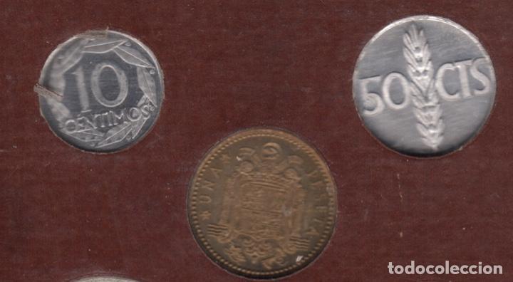 Monedas Franco: Cartera monedas año 1957 con estrella 73* - Foto 8 - 256001460