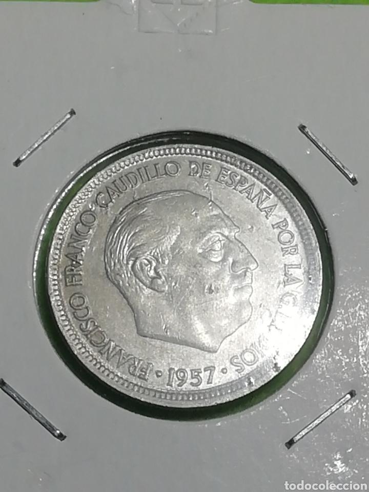 MONEDA DE 5 PESETAS DE 1957 ESTRELLA 75 (Numismática - España Modernas y Contemporáneas - Estado Español)