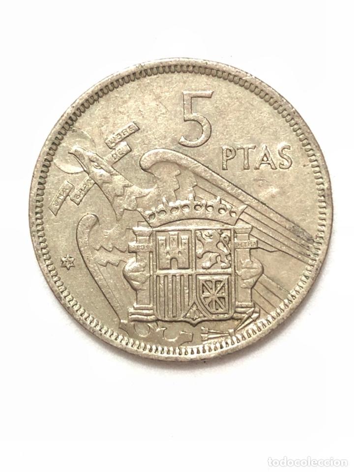 Monedas Franco: 5 pesetas de 1957 estrella del 72. - Foto 2 - 278553378