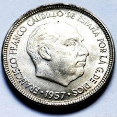 Monedas Franco: ⚜️ 5 PESETAS 1957 *64. AF634. Lote 295346808