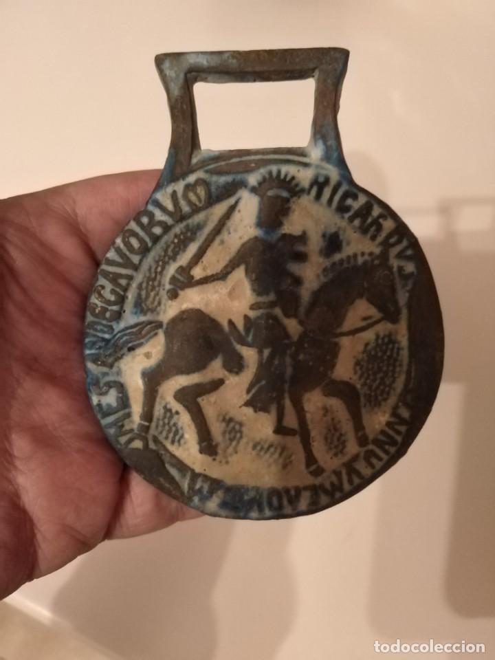 Monedas Grecia Antigua: GRAN MEDALLON ROMANO BRONCE CABALLERÍA CON INSCRIPCIÓN. LEGIONARIO? - Foto 2 - 190557785