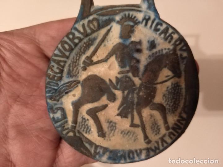 Monedas Grecia Antigua: GRAN MEDALLON ROMANO BRONCE CABALLERÍA CON INSCRIPCIÓN. LEGIONARIO? - Foto 4 - 190557785