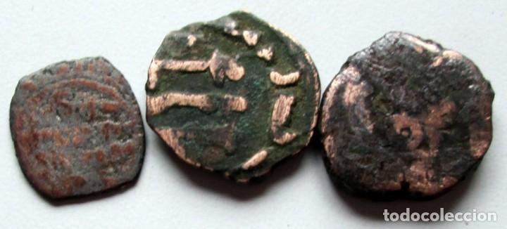 3 PEQUEÑAS MONEDAS DE COBRE (Numismática - Hispania Antigua - Hispano Árabes)