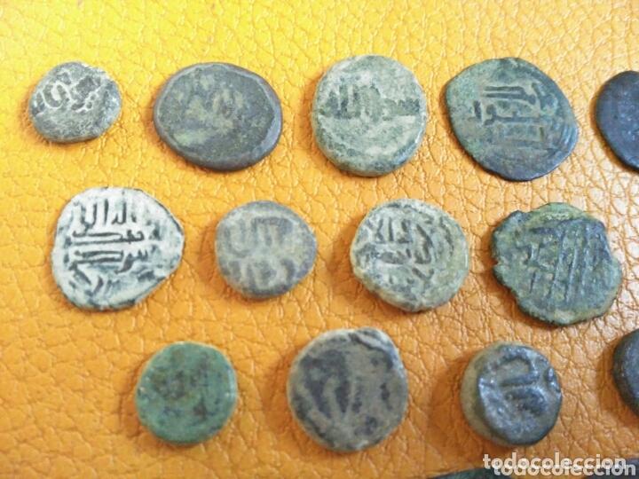 Monedas hispano árabes: Lote 33 felus hispano árabes a limpiar y catalogar, de epoca gobernadores y otras... - Foto 2 - 173461657