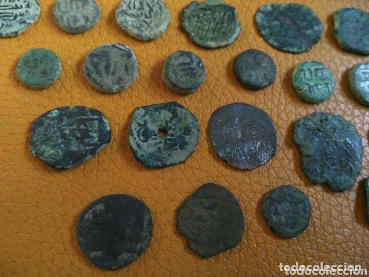 Monedas hispano árabes: Lote 33 felus hispano árabes a limpiar y catalogar, de epoca gobernadores y otras... - Foto 5 - 173461657