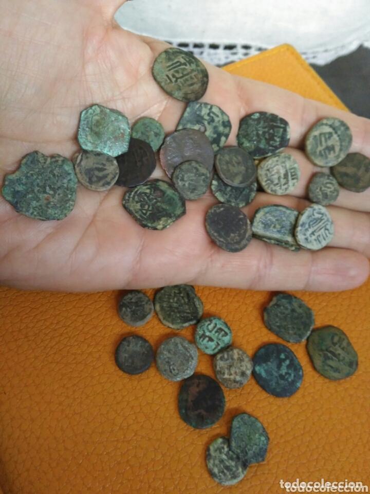 Monedas hispano árabes: Lote 33 felus hispano árabes a limpiar y catalogar, de epoca gobernadores y otras... - Foto 6 - 173461657