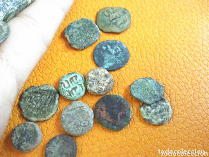 Monedas hispano árabes: Lote 33 felus hispano árabes a limpiar y catalogar, de epoca gobernadores y otras... - Foto 7 - 173461657
