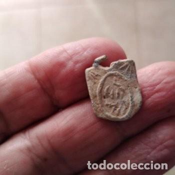 Monedas hispano árabes: BONITO COLGANTE AMULETO HISPANO ARABE PLOMO - Foto 3 - 220256306