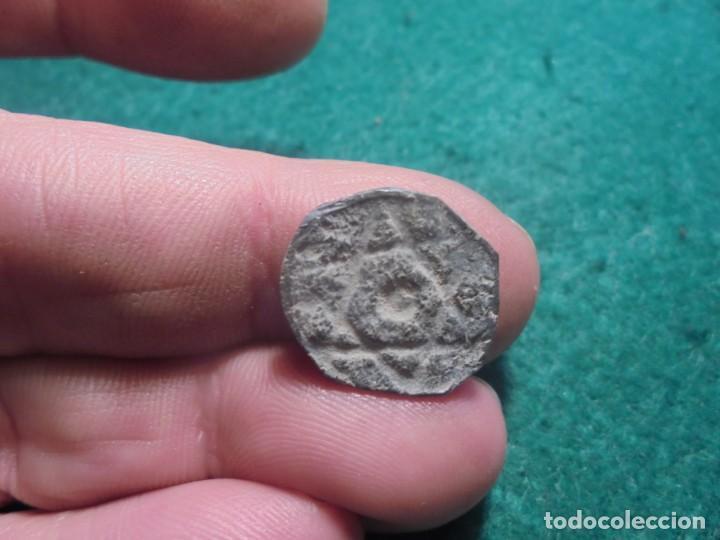 BONITO AMULETO DE PLOMO HISPANO-ARABE A IDENTIFICAR, CON ESTRELLA DE 6 PUNTAS (Numismática - Hispania Antigua - Hispano Árabes)