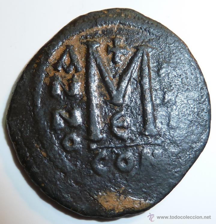 FLAVIO MAURICIO TIBERIO 582-602 EMPERADOR BIZANTINO FOLLIS DE CONSTANTINOPLA (Numismática - Periodo Antiguo - Imperio Bizantino)