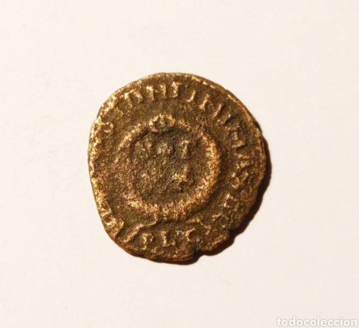 Monedas Imperio Bizantino: Moneda de Constantino Primero no listada en RIC,probable imitación barbara, falta en el reverso!! - Foto 2 - 160525634