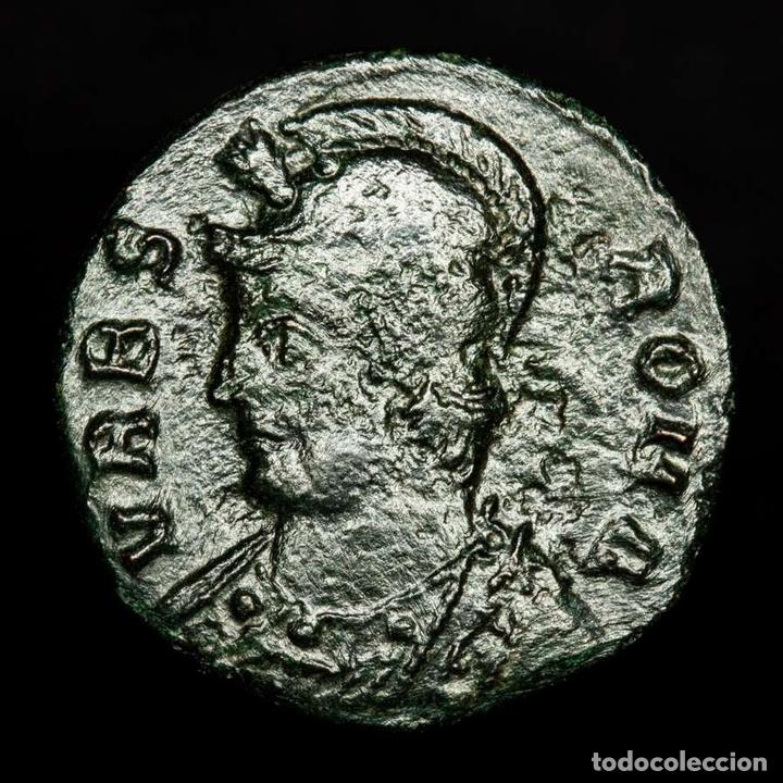 Monedas Imperio Romano: URBS ROMA, Æ Follis acuñado en Tesalonica SMTS? Loba, Romulo y Remo - Foto 2 - 172371845