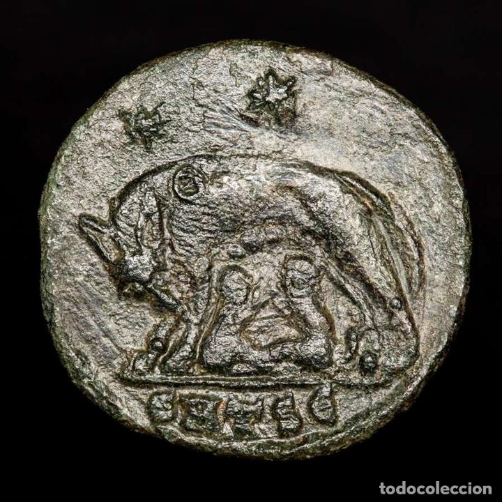 URBS ROMA, FOLLIS ACUÑADO EN TESALONICA SMTS? LOBA, ROMULO Y REMO (Numismática - Periodo Antiguo - Roma Imperio)
