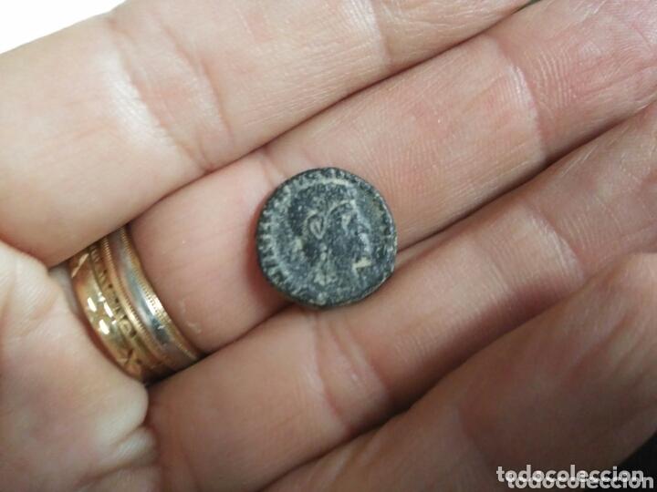 MONEDA ROMANA A CATALOGAR BAJOIMPERIO CONSTANTINO ? (Numismática - Periodo Antiguo - Roma Imperio)