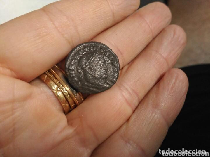 GRANDE MONEDA ROMANA A CATALOGAR BAJO IMPERIO CONSTANTINO ? (Numismática - Periodo Antiguo - Roma Imperio)