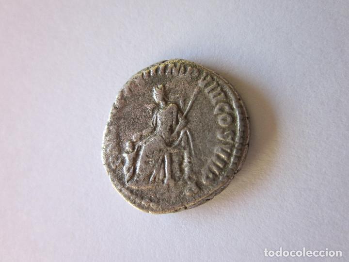 Monedas Imperio Romano: Denario de Comodo. Fecundidad sedente. Plata. - Foto 2 - 183723987