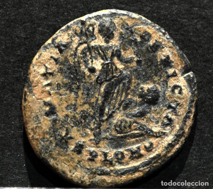 FOLLIS CONSTANTINO I LONDRES SARMATIA DEVICTA 306-337 D.C RARO (Numismática - Periodo Antiguo - Roma Imperio)