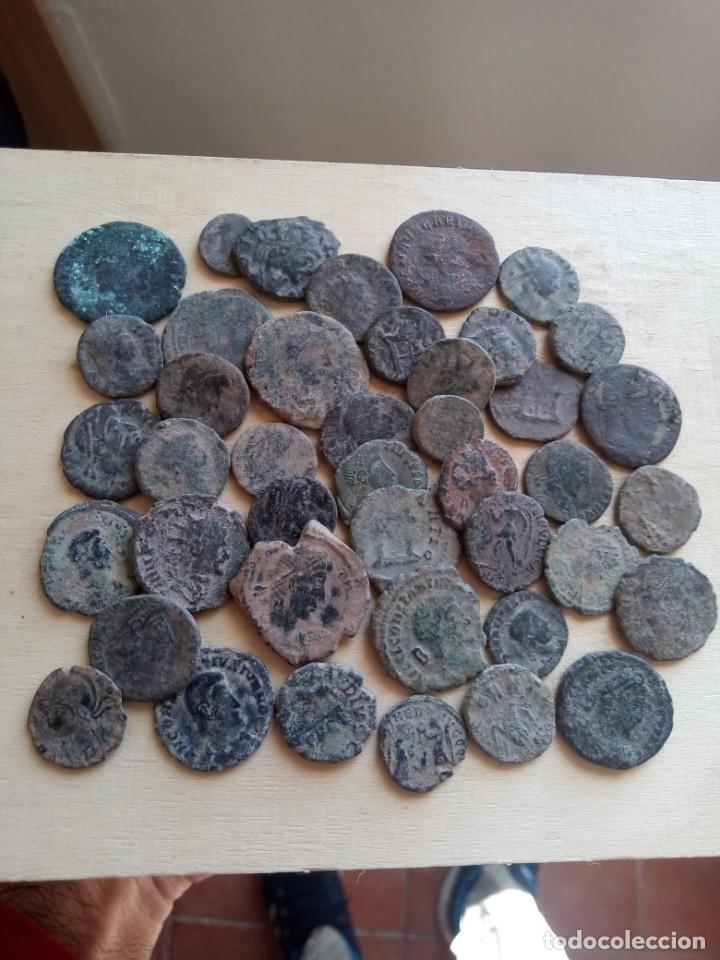 LOTE DE 42 MONEDAS DEL BAJO IMPERIO. (Numismática - Periodo Antiguo - Roma Imperio)