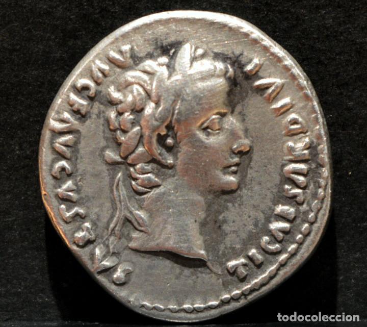 Monedas Imperio Romano: DENARIO DE TIBERIO DINASTÍA JULIA-CLAUDIA LUGDUNUM 15-16 dC RARA PATAS DE LA SILLA LISAS - Foto 2 - 196212690