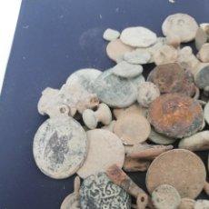 Monete Impero Romano: LOTE 80 OBJETOS VARIAS EPOCAS. Lote 210424913
