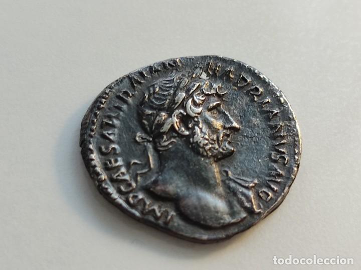 Monedas Imperio Romano: MUY RARO HADRIANUVS.. PMTRP COS III.AETERNITAS .sosteniendo bustos de sol y luna .3.13g Ref RIC II H - Foto 5 - 210460337