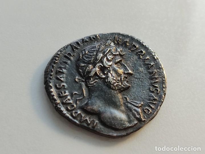 Monedas Imperio Romano: MUY RARO HADRIANUVS.. PMTRP COS III.AETERNITAS .sosteniendo bustos de sol y luna .3.13g Ref RIC II H - Foto 6 - 210460337