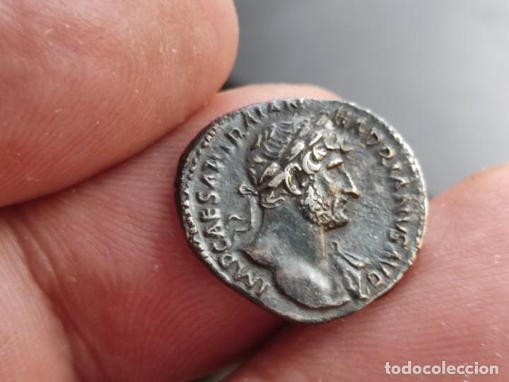 Monedas Imperio Romano: MUY RARO HADRIANUVS.. PMTRP COS III.AETERNITAS .sosteniendo bustos de sol y luna .3.13g Ref RIC II H - Foto 8 - 210460337