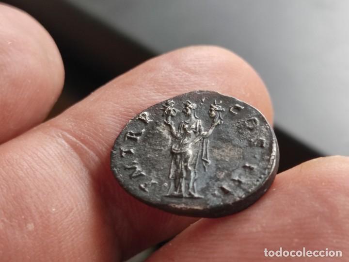 Monedas Imperio Romano: MUY RARO HADRIANUVS.. PMTRP COS III.AETERNITAS .sosteniendo bustos de sol y luna .3.13g Ref RIC II H - Foto 9 - 210460337