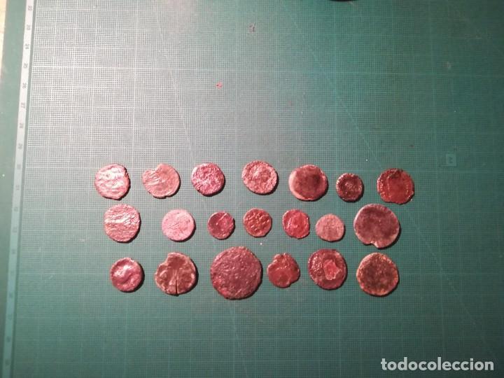 Monedas Imperio Romano: Lote de 20 monedas romanas a identificar (diferentes conservaciones) - Foto 4 - 236983285