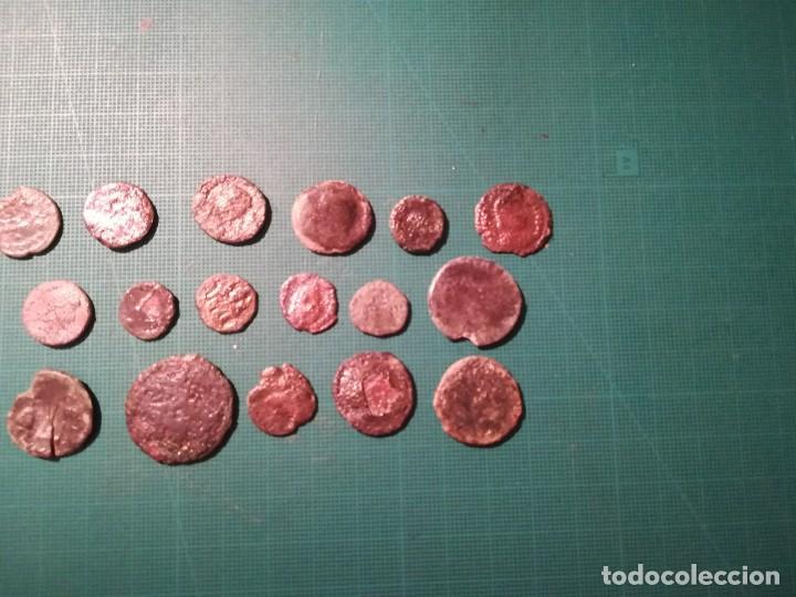 Monedas Imperio Romano: Lote de 20 monedas romanas a identificar (diferentes conservaciones) - Foto 5 - 236983285