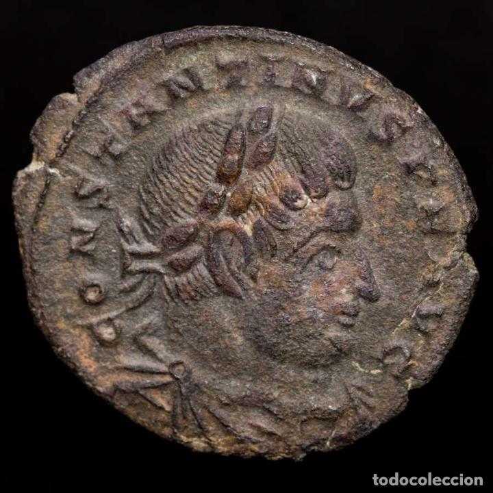 CONSTANTINO I 307-337 FOLLIS. TRIER. SOLI INVICTO COMITI. T-F// ATR. (Numismática - Periodo Antiguo - Roma Imperio)