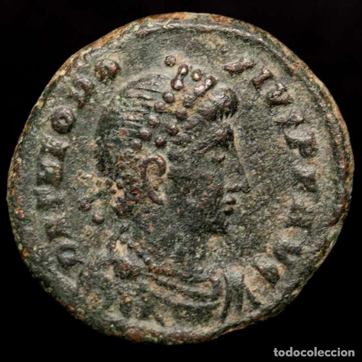 TEODOSIO I NUMMUS, HERACLEA, 383-388 D.C. GLORIA ROMANORVM // SMHP. (Numismática - Periodo Antiguo - Roma Imperio)