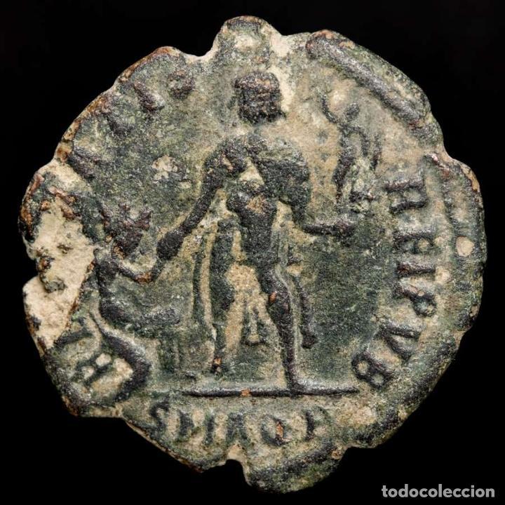 Monedas Imperio Romano: Valentiniano II (375-392 dC), maiorina, Aquileia. REPARATIO REIPVB - Foto 2 - 222701392