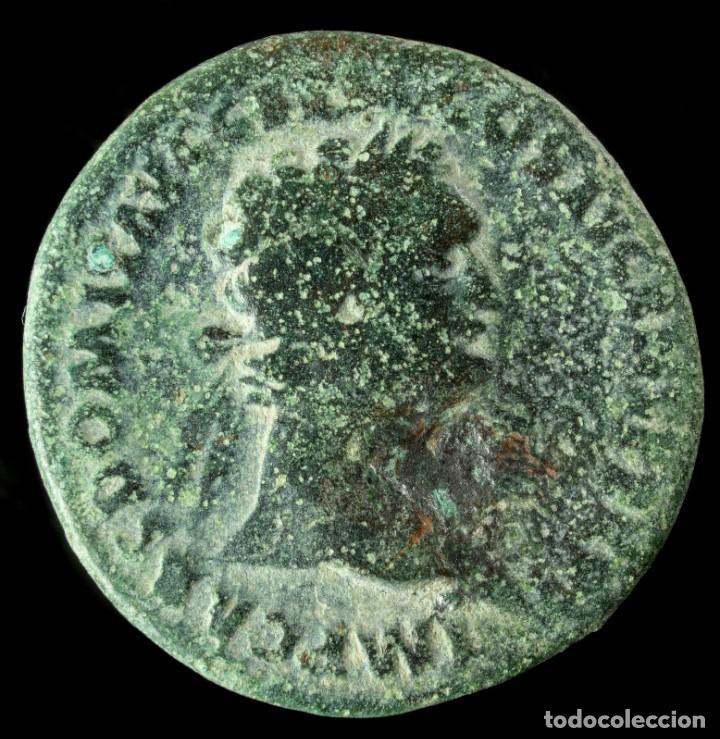 AS DE DOMICIANO - FORTVNA AVGVSTI - 27 MM / 9.54 GR. (Numismática - Periodo Antiguo - Roma Imperio)