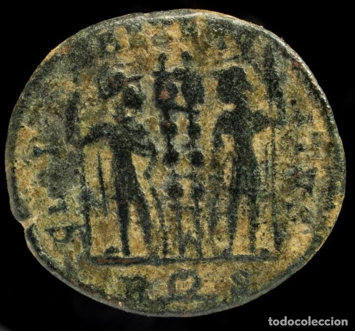 Monedas Imperio Romano: Constantino II - GLORIA EXERCITVS, Roma - 18 mm / 2.49 gr. - Foto 2 - 245981355