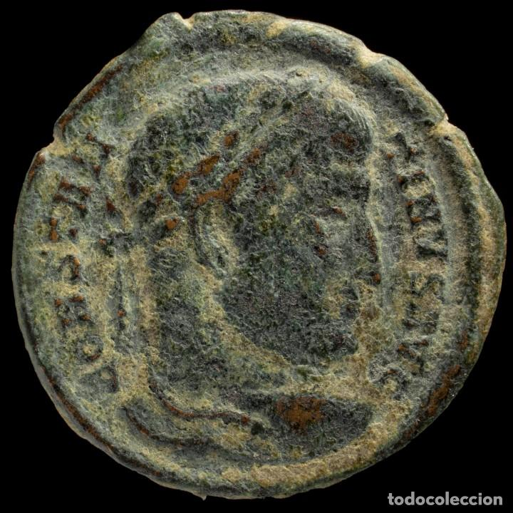 Monedas Imperio Romano: Constantino - SARMATIA DEVICTA, Trier - 19 mm / 2.49 gr. - Foto 2 - 245991625