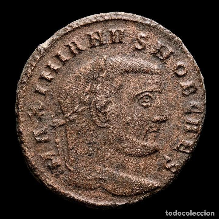 GALERIO, CESAR. Æ FOLLIS - ROMA SACRA MON VRB // Q THUNDERBOLT (Numismática - Periodo Antiguo - Roma Imperio)
