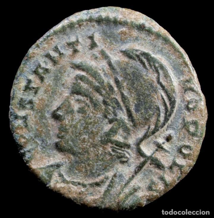 CONSTANTINOPOLIS DE CONSTANTINO, ROMA - 17 MM / 2.25 GR. (Numismática - Periodo Antiguo - Roma Imperio)